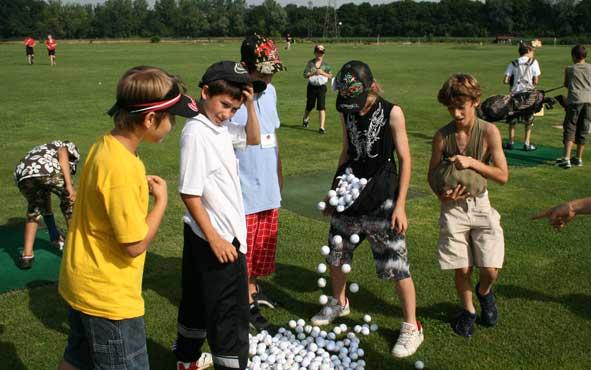 Kindertraining Golfbälle